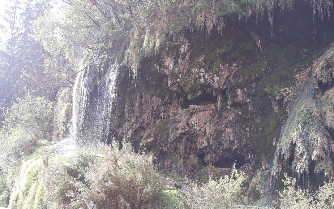 Cascada termală din Topliţa